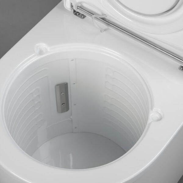 Privetti freezing toilet