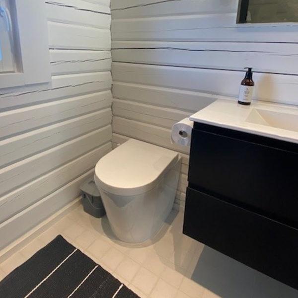 Sisäkuivakäymälä Green Toilet Lux sisätilassa