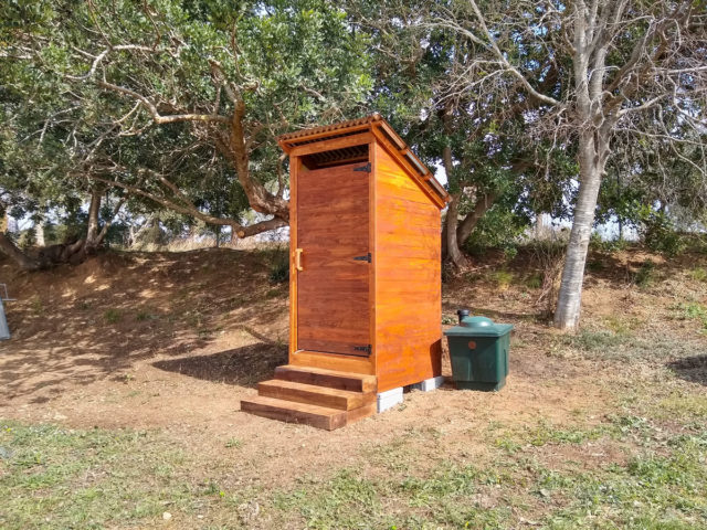 dry toilet outhouse spain